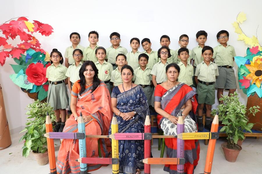 CLASS PHOTOGRAPH- Class III A, B & C
